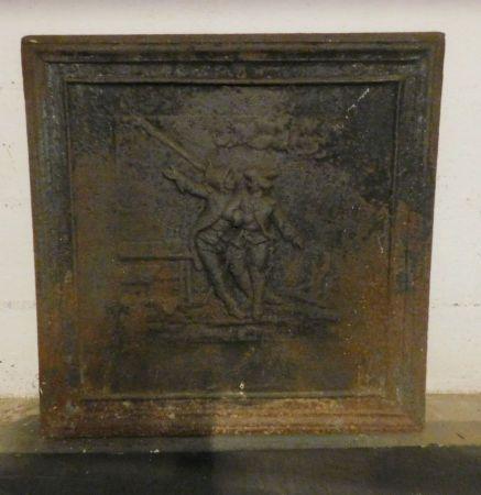 p145  piastra in ghisa, scena di interno osteria con due figure ;   mis. cm 70 x 70,