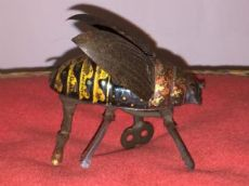 Antico scarafaggio in latta Lehmann