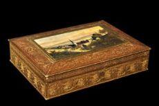 Scatola in papier machè dorata Francia, prima metà del XIX secolo.