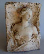 busto femminile del primo Novecento