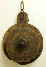 Pulley for towing in wood