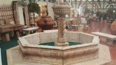Fontana da centro in travertino