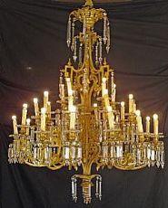 Araña de bronce dorado y cristal - lámpara de bronce dorado con cristales