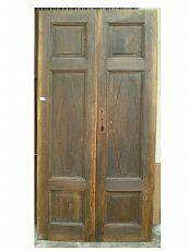 Nussbaum Tür