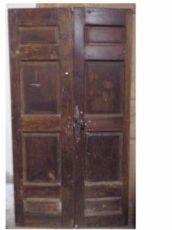 puerta de nogal