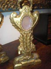 Coppia di reliquiari lignei dorati