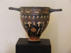 Skyphos  Gnathia  IV sec. a.C.