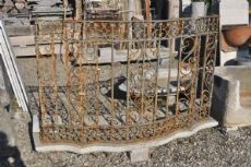Balcone con ringhiera in ferro