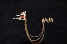 brooch ballerina with double notes
