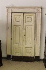 Porta antiga cartaz parede armário! Período de 800 a ser restaurado