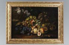 Bellissima natura morta di frutta e fiori