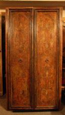Gate florentino elegante pintado na parte inferior da raiz falso