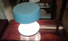 Lampada da tavolo, Penta design, mod. China, colore bianco.