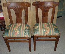 02 sillas en madera de nogal Piamonte