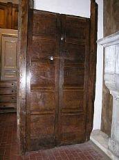ptcr196 puerta con postes de nogal rústico, mis.104 x 183 luz