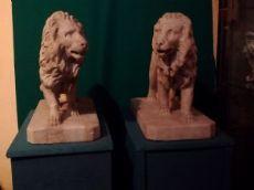Due leoni in marmo statuario