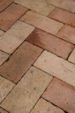 Antico pavimento in cotto marchigiano