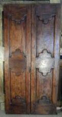 Neapolitanischen Kastanien Tür mit zwei Türen