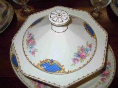 Servizio cena in porcellana inglese firmato Grindley Dispone di 23 camere