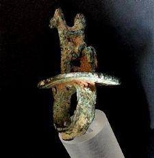 Anello antico in bronzo