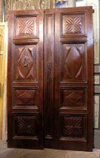 ptci296 puerta en madera de nogal con paneles tallados mis.140 x 233