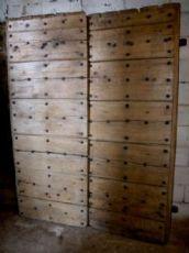 ptcr342 Tür in Pappel mit Nägeln, mis. h CM205 x 157 breit.