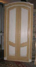 ptl397 porta laccata centinata, epoca '700, mis. h cm 235 x 120 max
