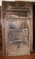 ptn205 Tür mit geschnitzten Portal mis. max h 290 cm x B cm168