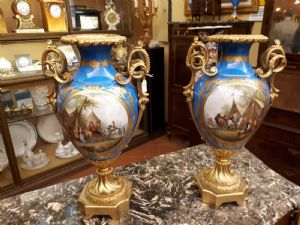 coppia di vasi in porcellana di sevres