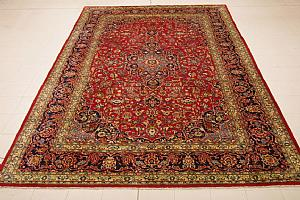 RARE AND ANTIQUE ESFAHAN - Najafabad A FLORAL DECORATIONS SHADES ON 'THE RED, COBALT BLUE AND GREEN - 288x400cm.