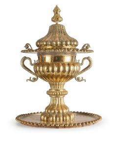 Monumental incense burner in golden metal