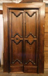 "na porta castanha Úmbria, mis. h 214 centímetros x 128 máx"""