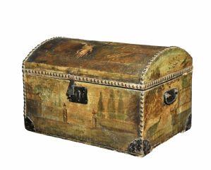 Baule in legno , foderato in cuoio e dipinto Venezia Sec XVIII