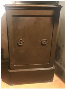 """French safe"""""""