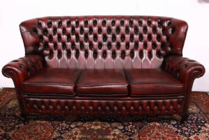Stupendo Divano Chesterfield chester in pelle originale inglese 3 posti bordeaux