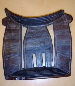Poggiatesta etiope in legno proveniente dalla regione di Sidamo