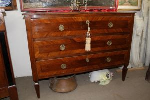 """Dresser chapados de madera de nogal Louis XVI restaurado el centro de Italia - el final de '700"""""""
