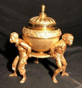 Centro tavolo in bronzo dorato Francia Carlo X