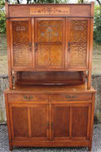 Bella credenza prima metà '900 con vetri originali lavorati e legno intarsiato