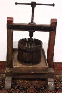 """Ancient wood and iron press in the second half of the '900 / old / 51,5 x 54 x 71 cm"""""""