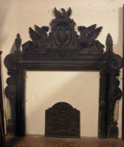 chp009 slate fireplace Ligurian era '500
