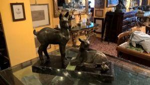 scultura gruppo animali