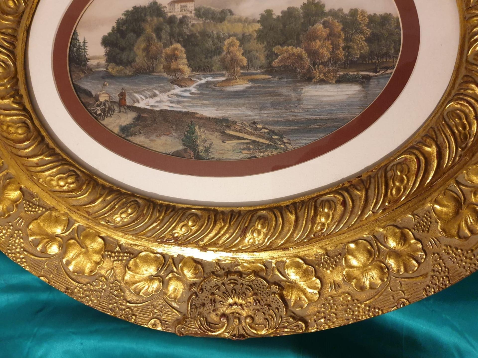 thumb2|Copia di cornici ovali dorate