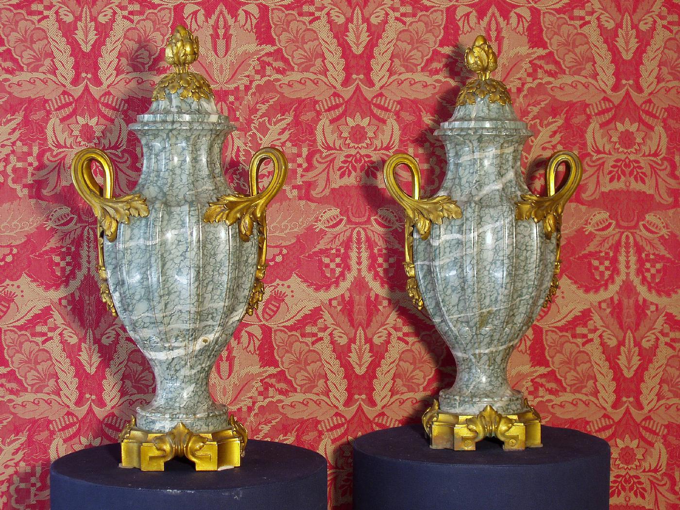 Galleria previtali srl bergamo for Vasi marmo
