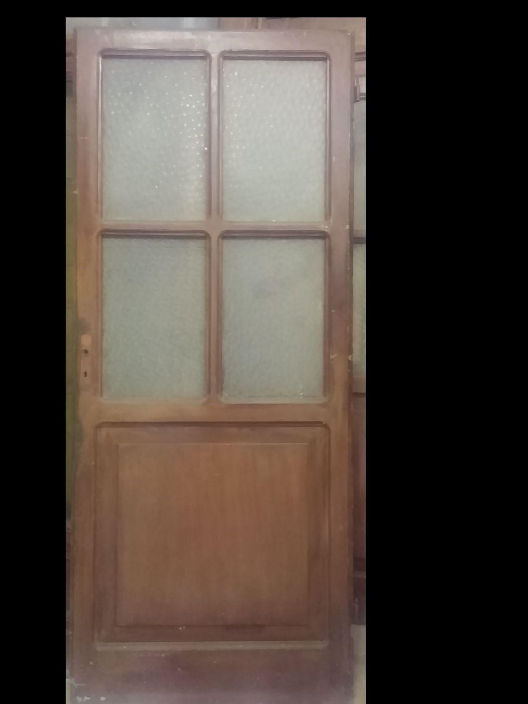thumb2|2 porta a vetro
