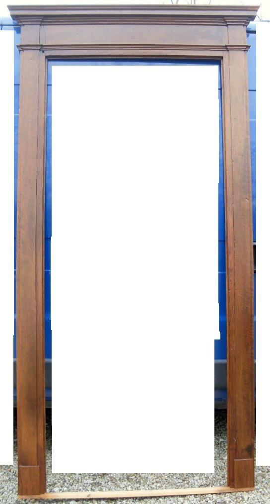 thumb2|cornice per porta