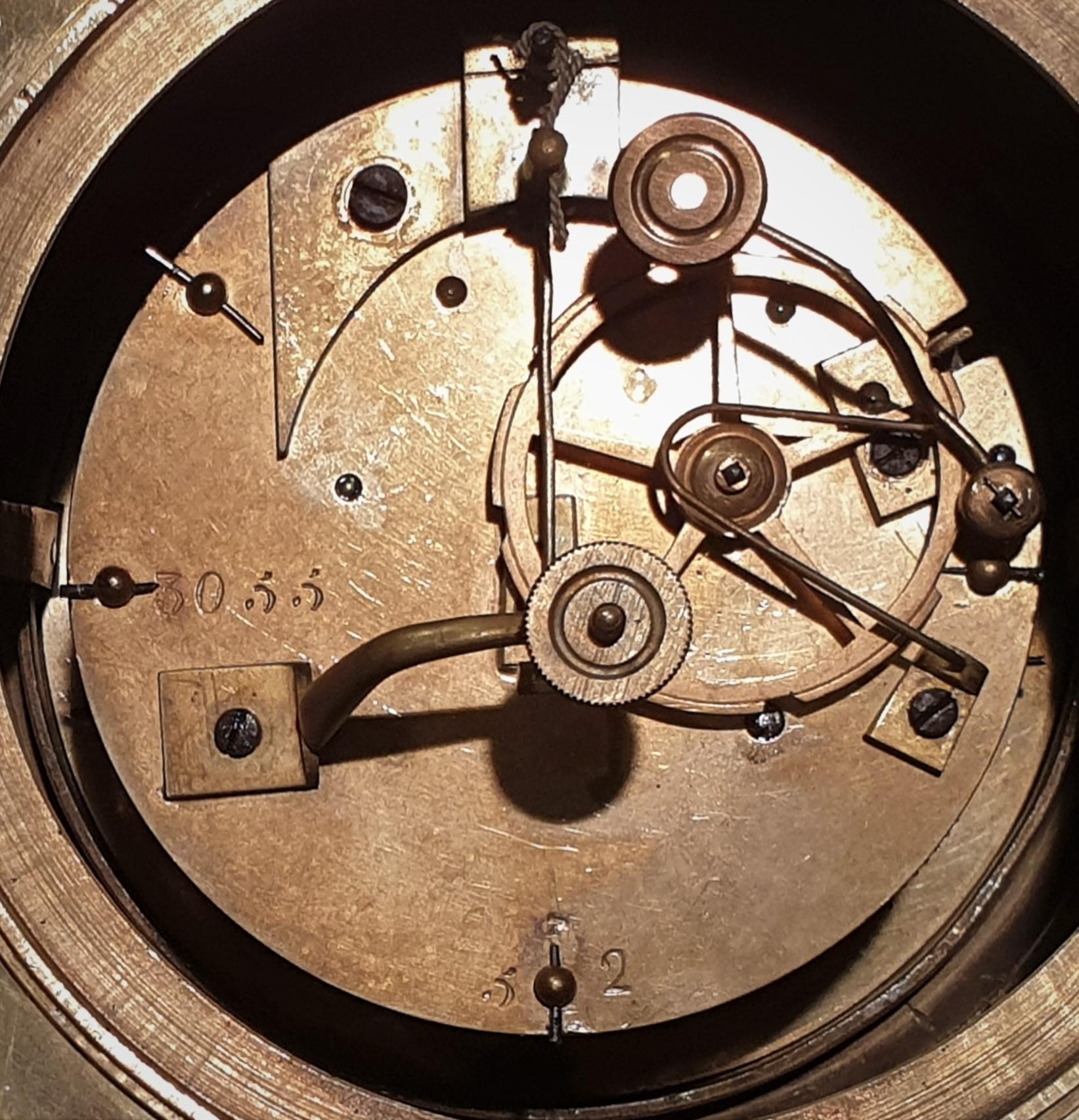 thumb2|Ebe con amorino. Misure cm h. 47x34,5x12,5