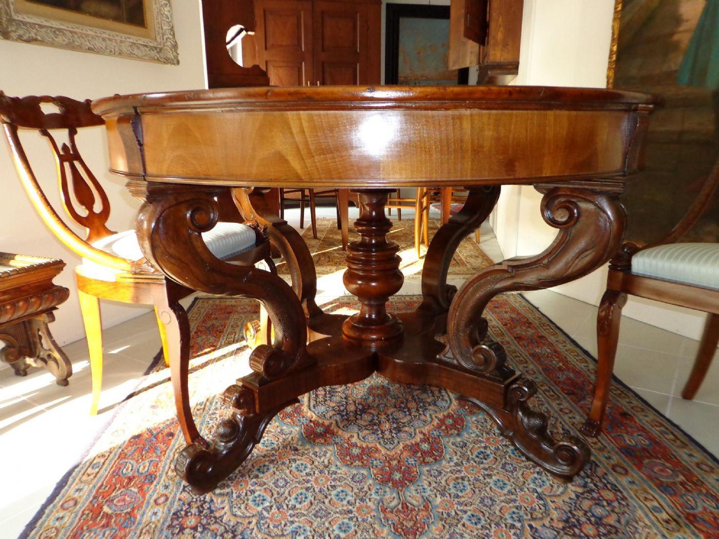 Tavolo rotondo allungabile antiquariato su anticoantico for Mobili antichi 1800
