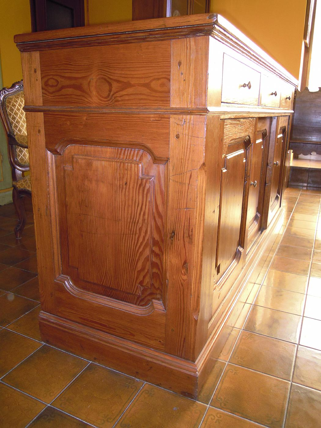 three drawer dresser trifold antiques on