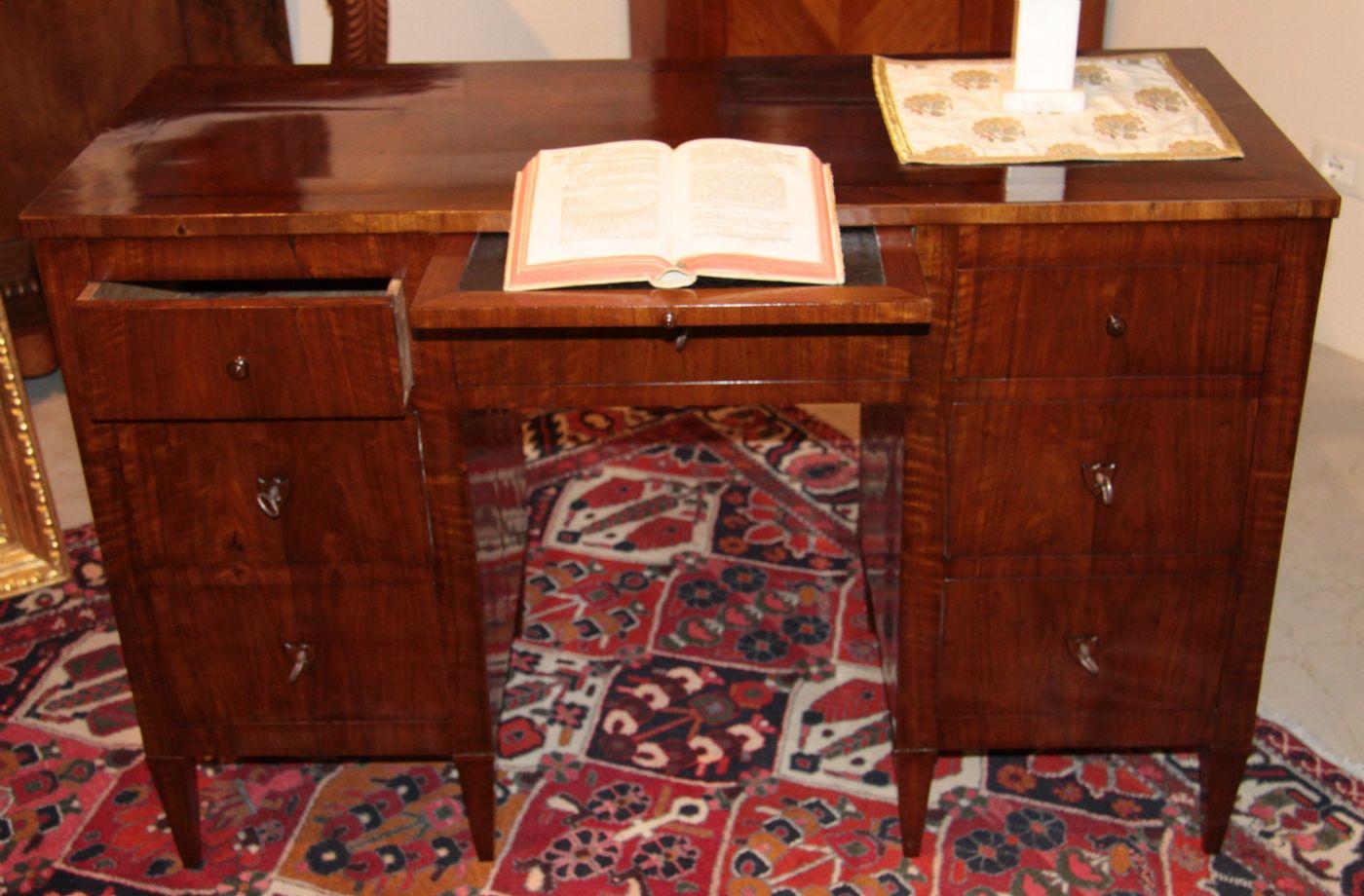 Scrivania da centro stanza veneto 1780 c a - Centro veneto mobili ...